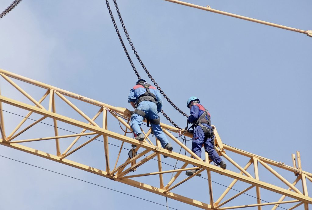 Workers on the crane